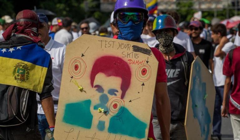 Castrochavismo: Uribismo denunció al presidente Nicolás Maduro ante la Corte Penal Internacional