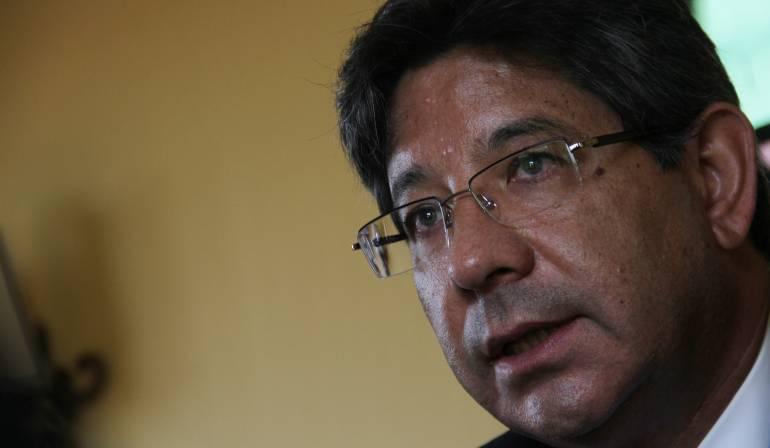 Reacciones a decisión sobre Fast Track: La oposición del magistrado Linares a la decisión de la Corte sobre el Fast Track