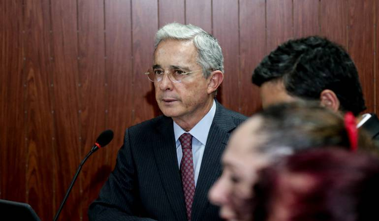 Uribe se retracta sobre