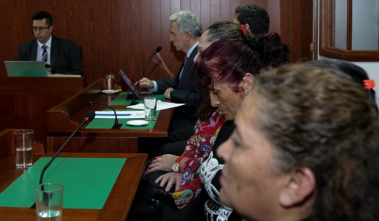 Trino de Uribe a las madres de Soacha: Álvaro Uribe se retracta de trino ante las madres de Soacha