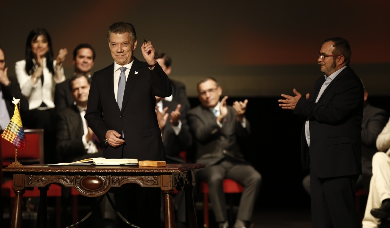 Extienden 20 días para desarme FARC-EP, afirma presidente colombiano
