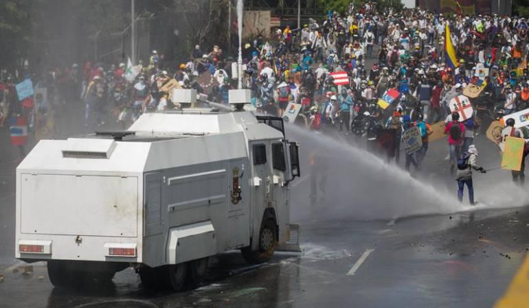 Venezuela crisis: Guardia Nacional Bolivariana dispersó manifestaciones opositoras