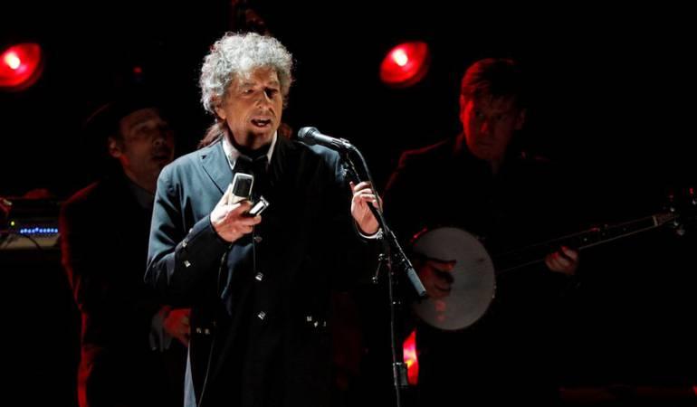Bob Dylan solo había recogido la medalla y el diploma del Nobel, en un evento privado a inicios de abril.