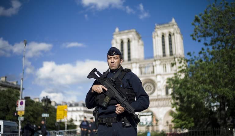 Terrorismo en Paris: Agresor de Notre Dame reivindica en vídeo su pertenencia al Estado Islámico