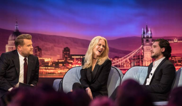 Nicole Kidman y Kit Harington en The Late Late Show