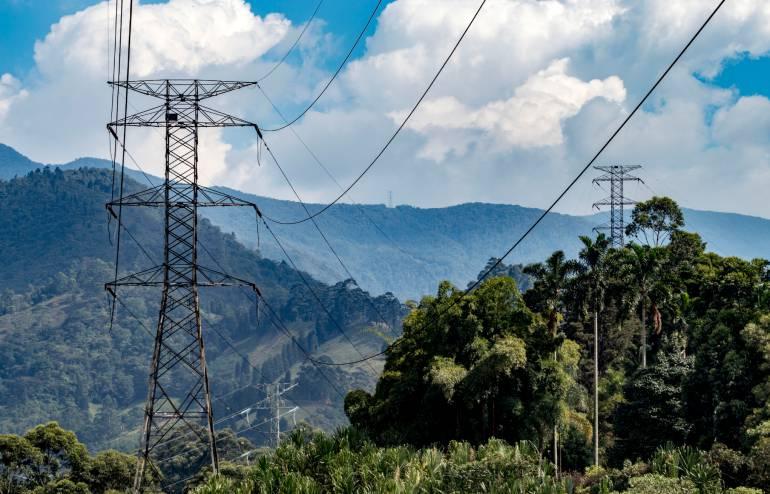 ¿Qué es una servidumbre y por qué es necesaria para el transporte de energía?
