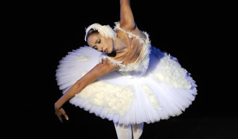 """Ballet: """"La metamorfosis de una bailarina clásica es saludable"""": Lorena Feijóo"""