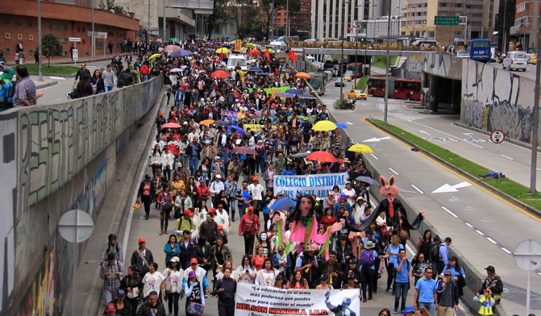 """Paro de maestros: Santos les pide a los profesores reconsiderar la """"oferta razonable"""" del Gobierno"""