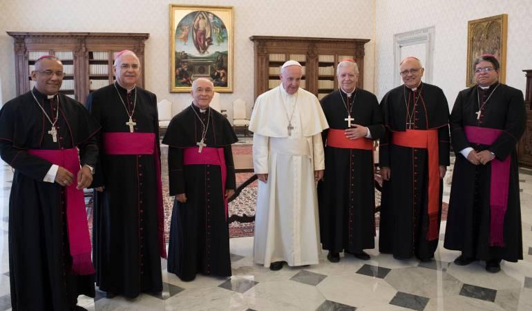 Vaticano estudia medida para excomulgar a mafiosos y corruptos
