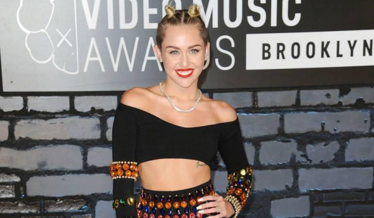 Miley Cyrus pone en su sitio a Dolce & Gabbana vía Instagram