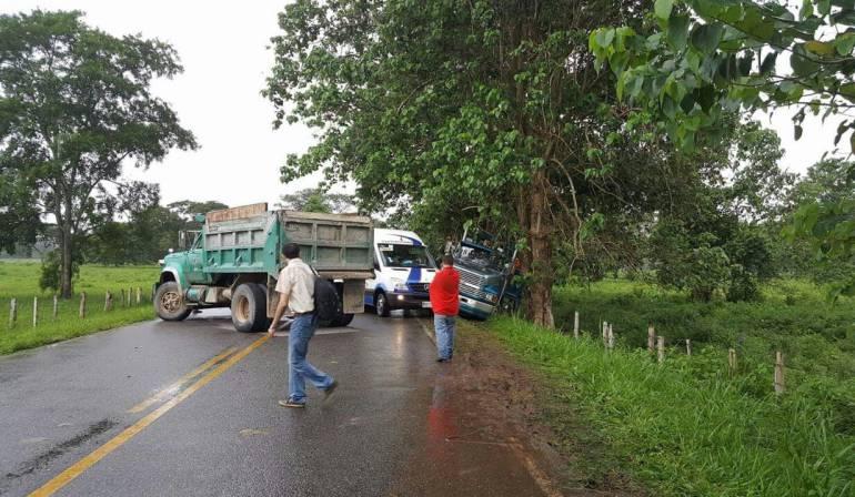 Eln vía vía Tame – Arauca: Eln atraviesa vehículos en la vía Tame – Arauca donde fallece una persona