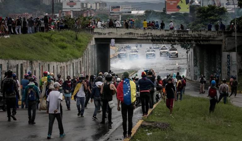 Crisis Venezuela: Muere adolescente al recibir un disparo durante una protesta en Caracas