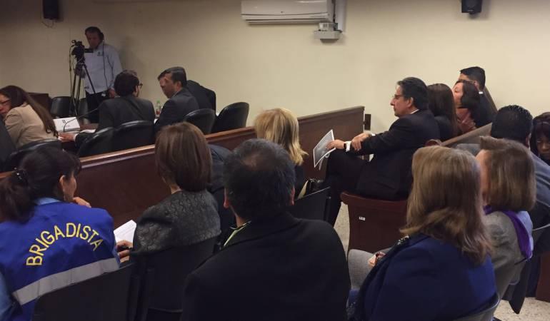 N stor humberto mart nez qu hace el fiscal general en for Juzgados de paloquemao