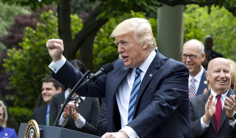 """Nueva propuesta del muro de Trump ahora incluye paneles solares: Trump propone poner paneles solares en el muro para que México pague """"menos"""""""