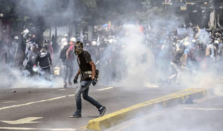 Portestas en Venezuela: Muere por disparo un joven durante manifestación opositora en Caracas