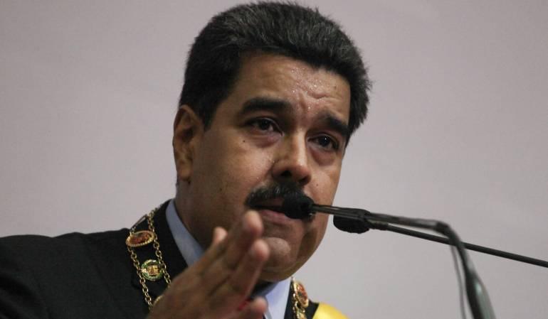 Lanzan granadas contra tribunal de justicia de Venezuela