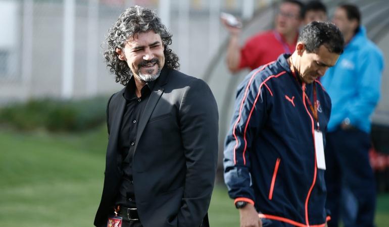 El colombiano Leonel Álvarez, nuevo técnico del Cerro Porteño