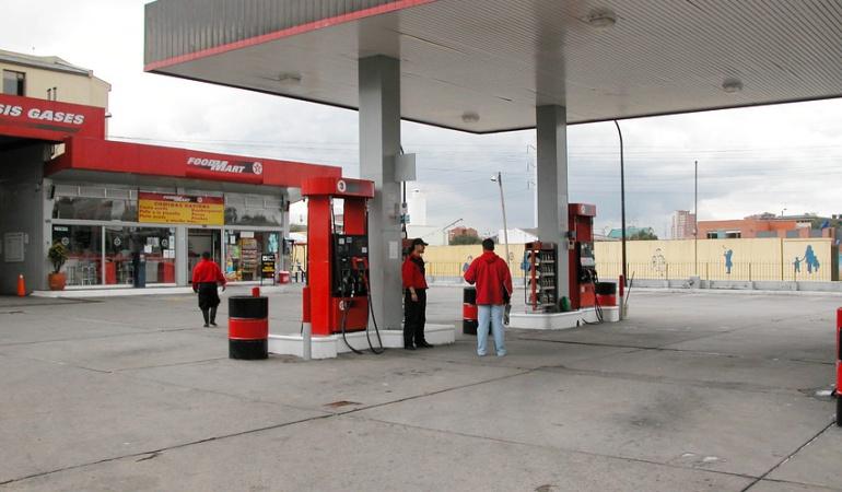 Costo galón de gasolina: Precio de la gasolina baja 46 pesos en julio