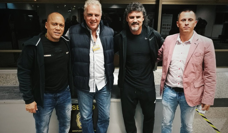 Leonel Álvarez Cerro Porteño técnico: Leonel Álvarez es oficializado como nuevo técnico de Cerro Porteño