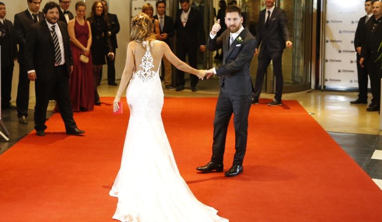 El matrimonio del astro argentino ha causado revuelo en su país natal.