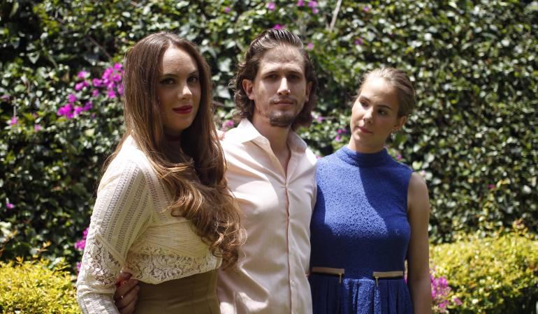 Valentina, Mario y Marisa, nietos del actor mexicano Mario Moreno