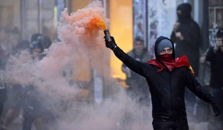 """Protestas por cumbre G20: """"Bienvenidos al infierno"""", así reciben manifestantes a líderes mundiales reunidos en el G20"""