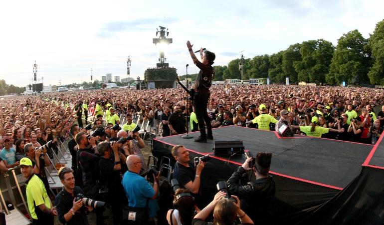 65.000 personas cantando