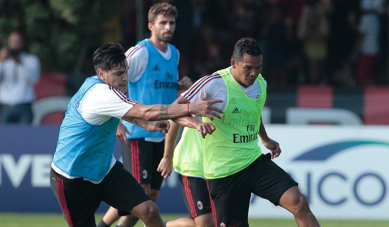 Futbolistas colombianos en el exterior: Bacca y Zapata inician con victoria su pretemporada con el Milan