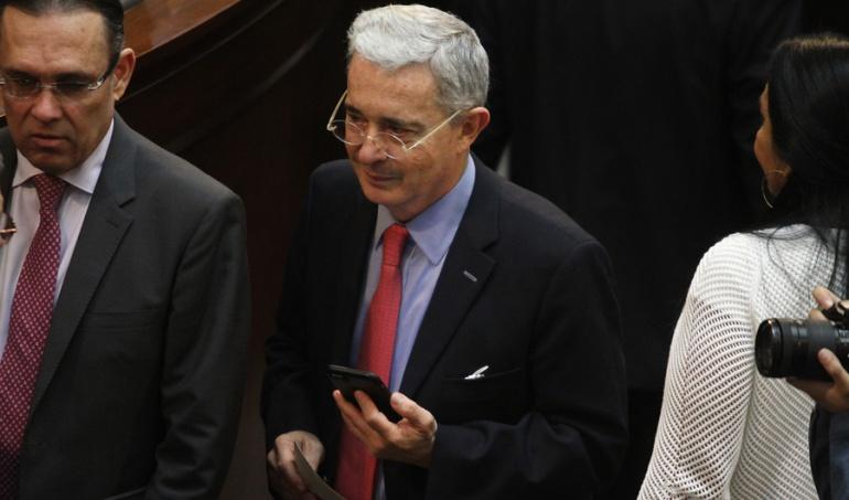 COLOMBIA: Daniel Samper Ospina demandará a Uribe por llamarlo 'violador'