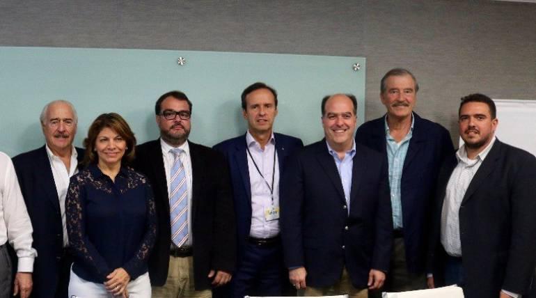 Asamblea Nacional y expresidentes latinoamericanos