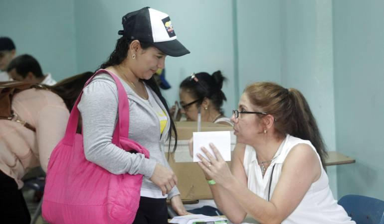 Venezuela, elecciones, consulta popular, Constituyente en Venezuela: Líderes opositores votan masivamente en consulta popular sobre Constituyente en Venezuela