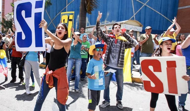 Consulta popuar en Venezuela: Comienzan a cerrar las mesas de votación de la consulta popular en Venezuela