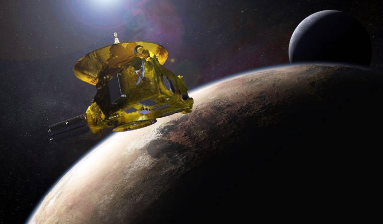 La nave New Horizons cerca de Plutón.