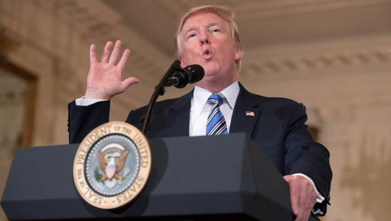 Trump pide derogar Obamacare y crear otro plan de salud