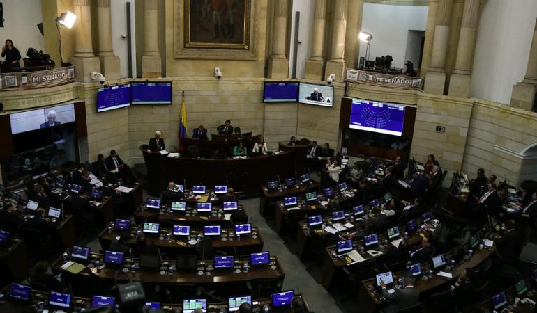 """El viernes en un """"retiro"""" Gobierno y congresistas definirán texto de Reforma Política"""