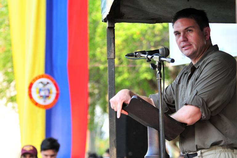 Exministro Pinzón renunció a la U, partido político de Santos