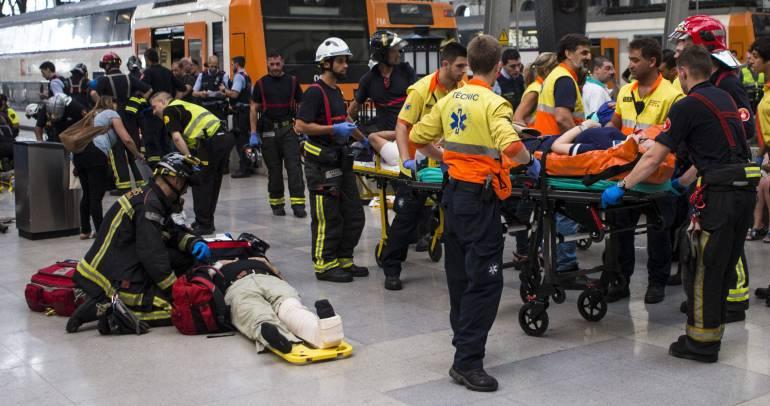 Un accidente de tren en Barcelona deja decenas de heridos — Vídeo