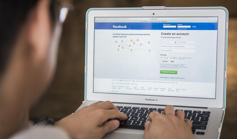 La red social Facebook.