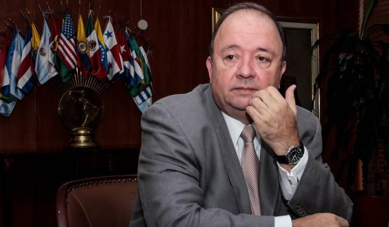 Luis Carlos Villlegas, ministro de Defensa