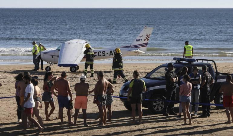 Accidente aéreo dejó dos muertos en playa de Portugal: Dos bañistas mueren arrollados por una avioneta en una playa portuguesa
