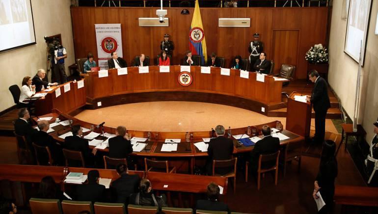 """Tensión entre Farc, Procuraduría y Fiscalía por entrega de bienes"""""""