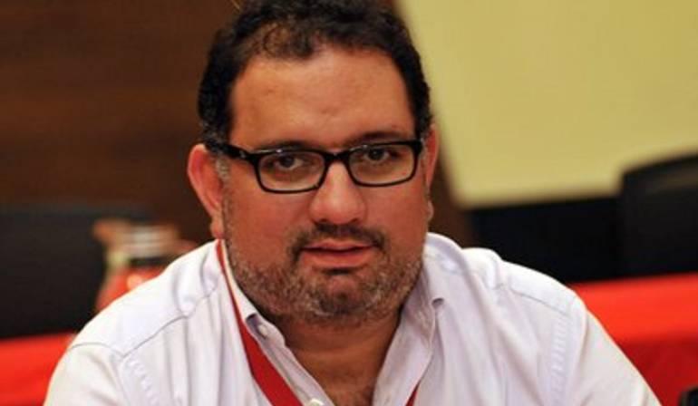 Jorge Luis Pinto le dio un 'manotazo' a su hija