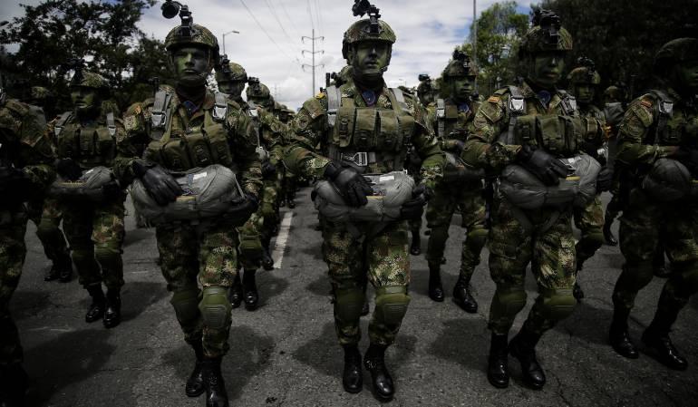 """Ejército lanza plan para combatir al ELN: El Ejército lanzó el plan """"relámpago rojo"""" para combatir a los cabecillas del ELN"""