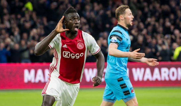 Ajax rechaza 40 millones de euros por Dávinson Sánchez