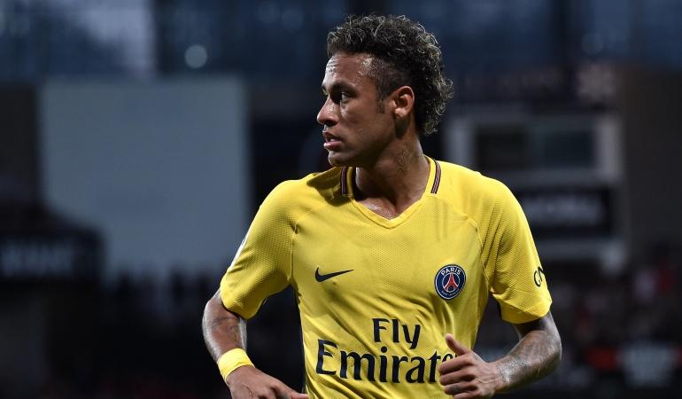 Neymar marca en su debut con el PSG