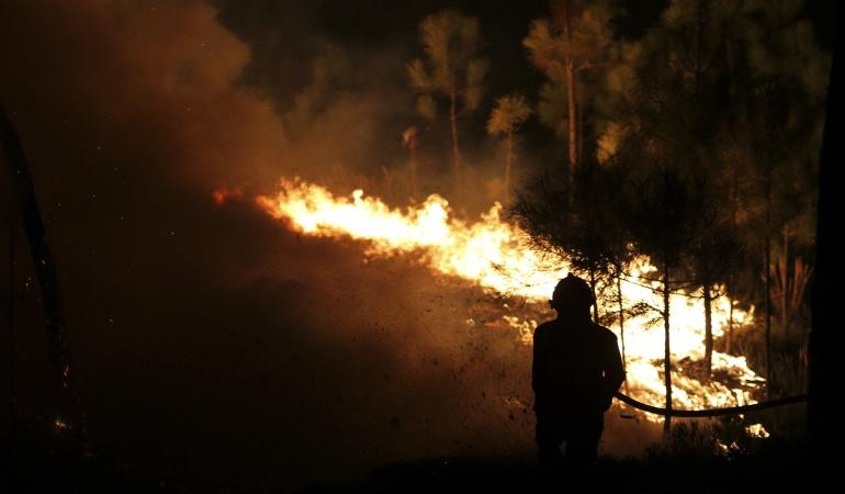 Enorme incendio en Vila de Rei, centro de Portugal