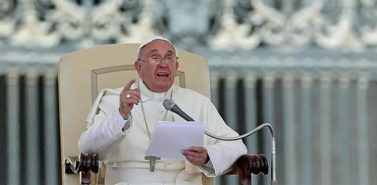"""Papa Francisco en Colombia: Abren concurso estudiantil """"Envíele un mensaje al papa"""""""