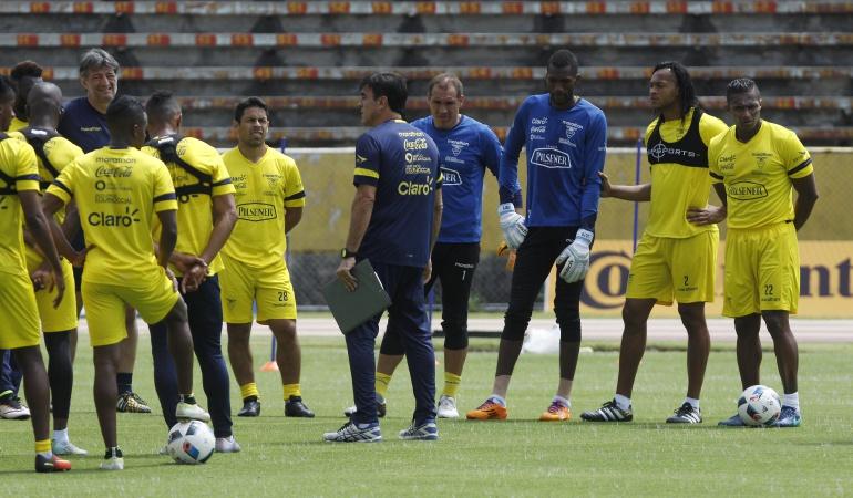 Ecuador convocados Brasil Perú: Ecuador convoca 27 jugadores para su difícil tarea de sumar ante Brasil y Perú