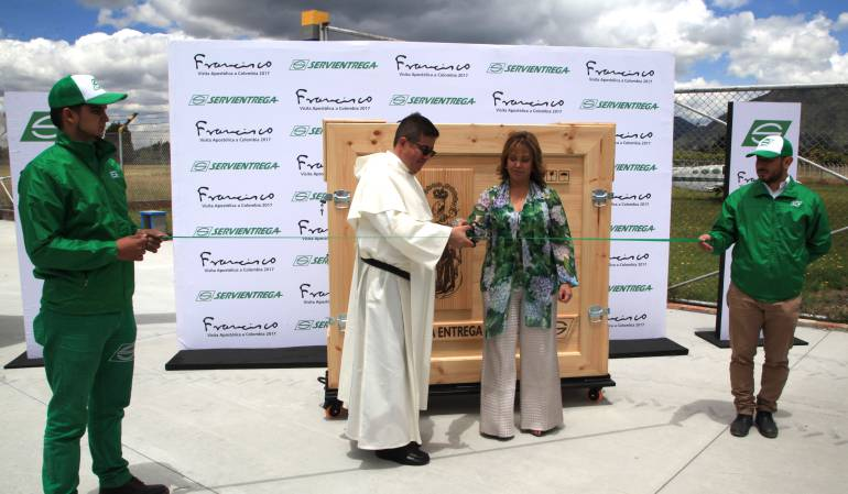 Traslado del cuadro de la virgen de chiquinquira a Bogotá: La virgen de Chiquinquirá arribará a Bogotá el 1 de Septiembre