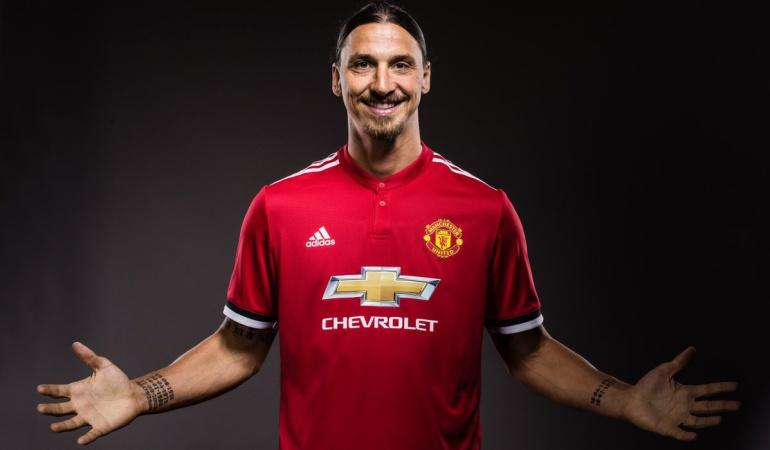 Manchester United oficializa el retorno de Ibrahimovic